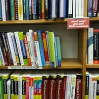 Photo prise au Half Price Books par Kevin le4/14/2012