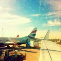 Foto tirada no(a) Aeroporto International da Cidade do Cabo (CPT) por Warren G. em 4/24/2012