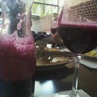 Foto tirada no(a) Gallo i Vino por Mariana S. em 3/9/2012