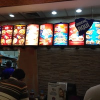 Photo taken at Taco Bell by Andrés on 6/20/2012