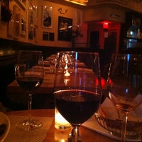 Photo taken at 10 Downing Food And Wine by Yesbelt F. on 5/21/2012