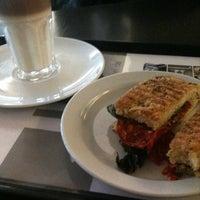Das Foto wurde bei Kreipe's Coffee Time von Martin B. am 2/21/2012 aufgenommen