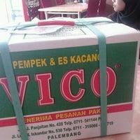 Photo taken at Pempek & Es Kacang Vico by Satu T. on 3/3/2012