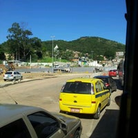 Photo taken at Obras Transcarioca Campinho by Felipe A. on 5/20/2012