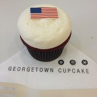 Photo taken at Georgetown Cupcake by Laura W. on 7/4/2012