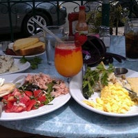 Photo taken at Parkhouse Eatery by Carmen O. on 6/3/2012
