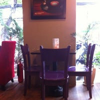 Photo taken at Highlands Coffee by Pipi on 8/17/2012