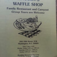 Photo taken at Lincoln's Waffle Shop by ♎Mike T. on 8/26/2012