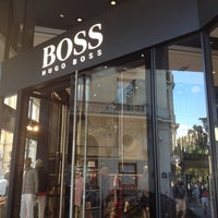 Photo prise au BOSS Store par Timofey R. le7/21/2012