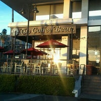 Photo taken at The Coffee Bean & Tea Leaf by Jesse L. on 2/22/2012