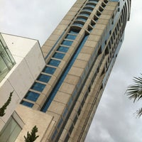 Photo taken at Blue Tree Premium Faria Lima by Rubens J. on 4/29/2012