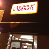Photo taken at Dunkin' Donuts by Rick L. on 6/12/2012