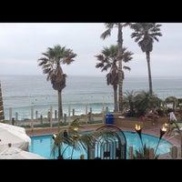 Foto tomada en Pacific Terrace Hotel por Christina el 5/22/2012