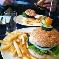 Photo taken at New York Style Steak & Burger by Carlotta G. on 5/19/2012