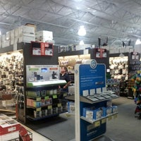 Photo taken at Fry's Electronics by Fernando M. on 8/17/2012