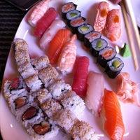 Foto tomada en Restaurante Japonés Zakuro por saulo_son el 4/21/2012