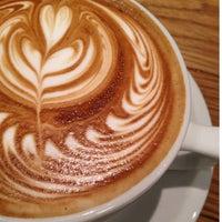 Photo prise au Streamer Coffee Company SHIBUYA par Tom Y. le4/29/2012