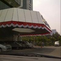 Photo taken at Galeri Indosat by ghera a. on 8/15/2012