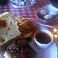 Photo taken at Smoky Jon's No 1 B-B-Q by Lucas G. on 3/21/2012