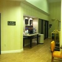 Das Foto wurde bei Hampton Inn & Suites Miami-Doral/Dolphin Mall von Suzi S. am 2/16/2012 aufgenommen