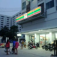 Photo taken at 7-Eleven by Kunnon_FS on 3/26/2012