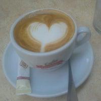 Foto tomada en Estylo Café por Aida R. el 9/5/2012