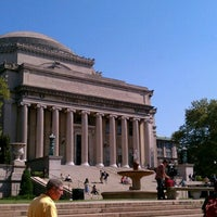 Foto tirada no(a) Low Steps - Columbia University por Jacob S. em 9/12/2012
