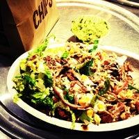 Foto tirada no(a) Chipotle Mexican Grill por Lauren L. em 2/25/2012