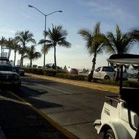Foto tomada en MEGA Comercial Mexicana por Rolando A. el 4/5/2012