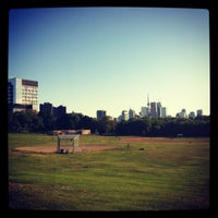 Photo prise au Riverdale Park East par Brooke S. le5/21/2012