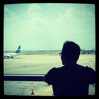 Photo taken at Gate B29 by CyronMan on 7/13/2012