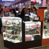 Photo taken at Gizmagic by Roberto M. on 8/1/2012