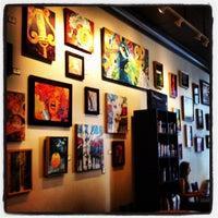 Foto tomada en Starbucks por Amy J. el 4/18/2012