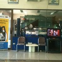 Photo taken at PT Srikandi Diamond Indah Motors by FENDI NOOR on 4/10/2012