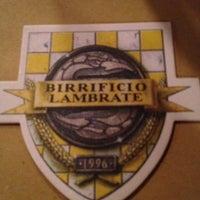 Foto tomada en Birrificio Lambrate por Axelle B. el 4/20/2012