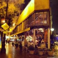Foto tomada en Zuni Café por Benjamin W. el 3/15/2012