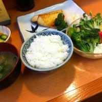 Photo taken at 丸長 by Yasushi T. on 5/15/2012