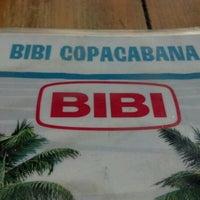 Photo taken at Bibi Sucos by Daniel B. on 8/2/2012
