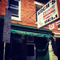 Das Foto wurde bei Koch's Deli von Jesse S. am 4/5/2012 aufgenommen