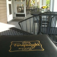 Foto tomada en Forepaugh's Restaurant por Derek A. el 5/4/2012