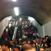 Foto tomada en Metro Vicente Valdés por Pamela T. el 4/4/2012