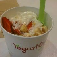Foto scattata a Yogurtland da Raquel R. il 3/30/2012