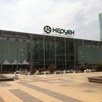 4/15/2012 tarihinde Serkan K.ziyaretçi tarafından Керуен / Keruen Mall'de çekilen fotoğraf