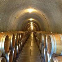 Foto tirada no(a) Gundlach Bundschu Winery por Dana R. em 6/16/2012