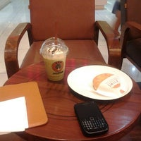 Photo taken at J.co DONUTS & COFFEE - BBC Transitzone by Winarno B. on 7/17/2012