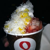Photo taken at Red Mango by Melody M. on 2/9/2012