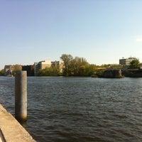 Photo taken at Spreeufer an der Eastside Gallery by Leo Z. on 4/27/2012