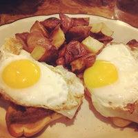 Das Foto wurde bei Sulimay's Restaurant von Samantha W. am 8/3/2012 aufgenommen