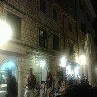 Photo taken at Buffet Kamenice by Kaan B. on 8/15/2012