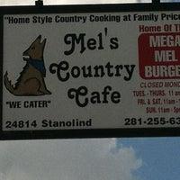 Foto tirada no(a) Mel's Country Cafe por Brian B. em 7/24/2012